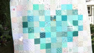 Tips to make a Pixelated Heart Patchwork Quilt -