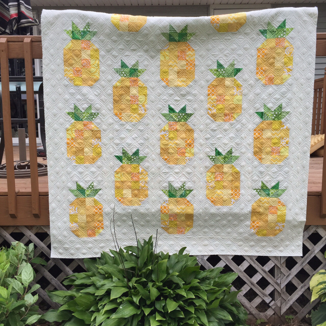 Ideas for Summer-themed sewing projects: Free Pineapple quilt pattern by Jackie Padesky