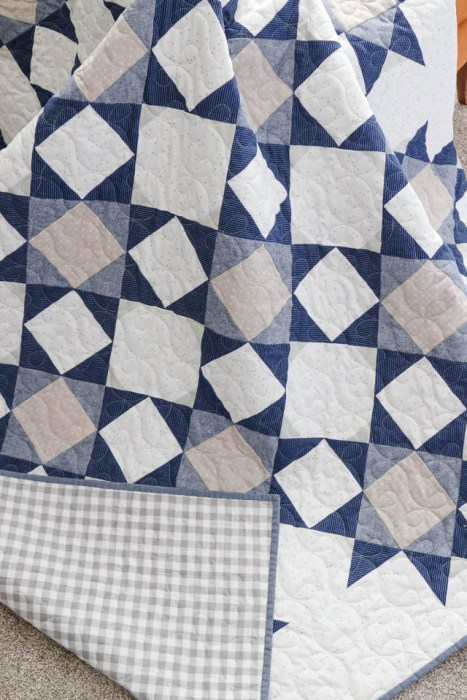Chambray and Denim Star quilt by Amy Smart