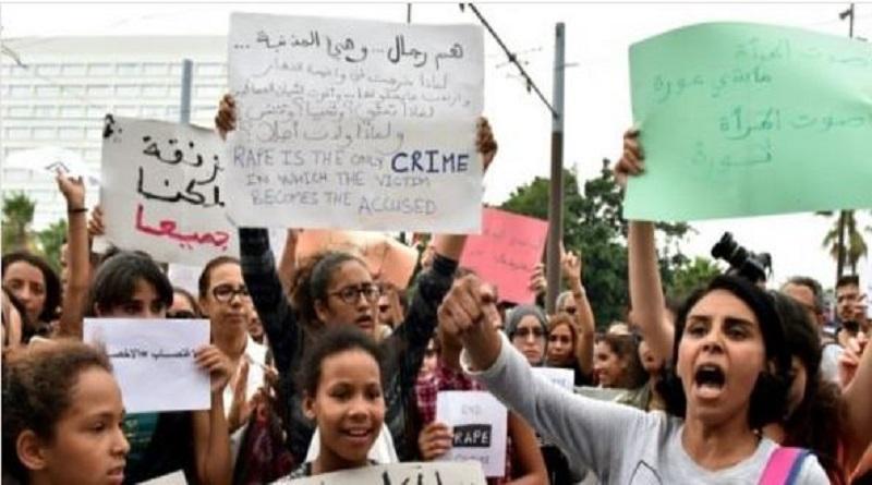 Maroc : spectacle et sifflets contre le harcèlement de rue.