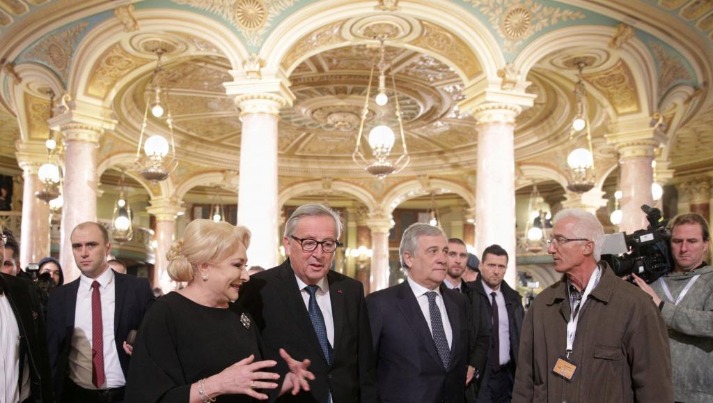 Présidence de l'UE: la Roumanie sous le feu des critiques européennes
