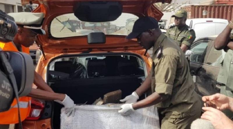 Port de Dakar : La douane a saisi 43 plaquettes de cocaïne d'un kg dans un véhicule de Marque KIA Sorento au parc de Dakar Terminal