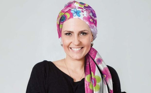 Resultado de imagem para lenços mulheres cancer