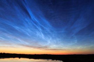O que são nuvens nacaradas e noctilucentes?