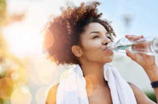Bebidas Esportivas são melhores que água para a Hidratação?