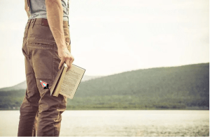 6 razões para ler um livro todos os meses