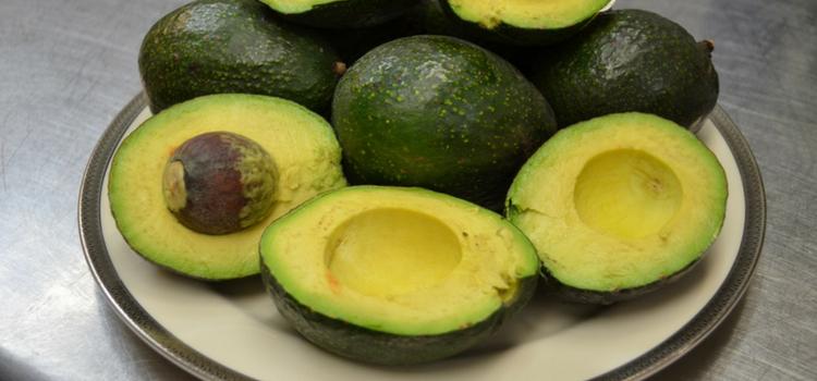 quais as frutas que engordam abacate
