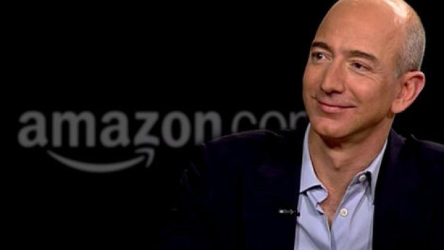 Jeff Bezos: Pelopor E-Commerce Dunia - People - Dictio Community