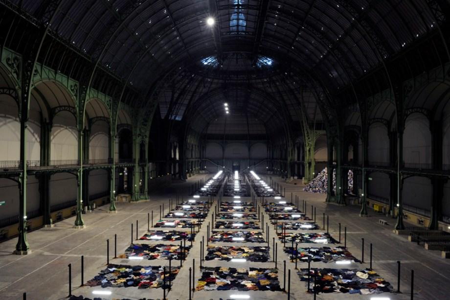 Christian Boltanski conçoit l'installation intitulée Personnes, Monumenta 2010