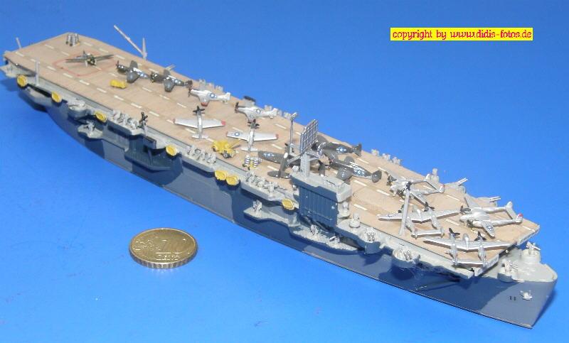 """Geleitflugzeugträger CVE-20 USS """"Barnes"""" der Bogue-Klasse (Sky Wave Pit-Road W-2)"""