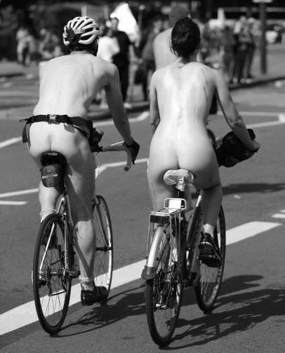Fahrraddemo nackt
