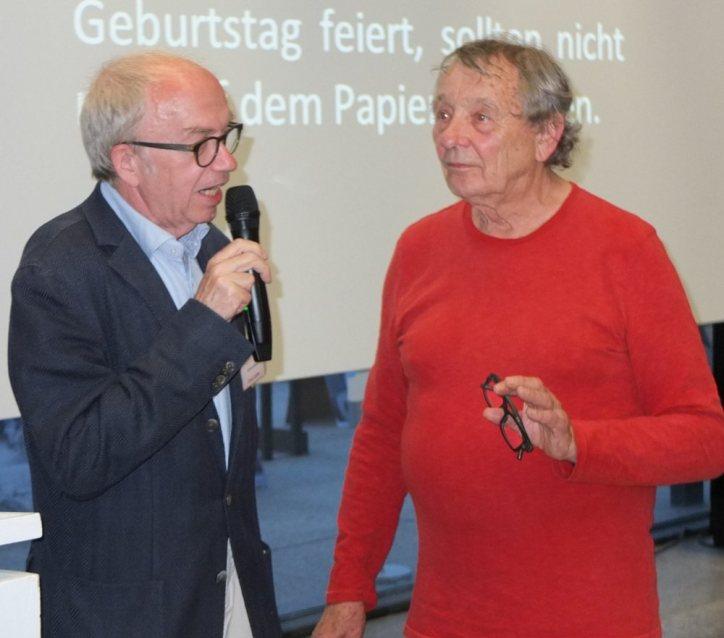 Jürgen Klaffke von den Kakteen und Peter Grohman führen durch den Abend Foto: © M. Seehoff