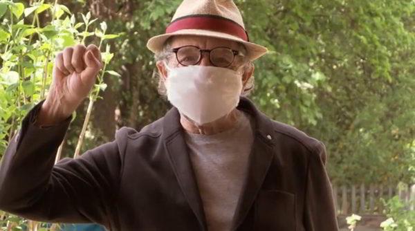 Peter Grohmann mit Maske