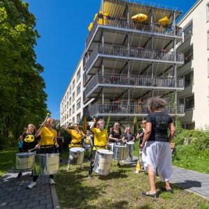 Sambaband Drumadam im Corona-Kulturprogramm für Seniorenheime in München