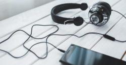 cuffie-collegate-a-smartphone