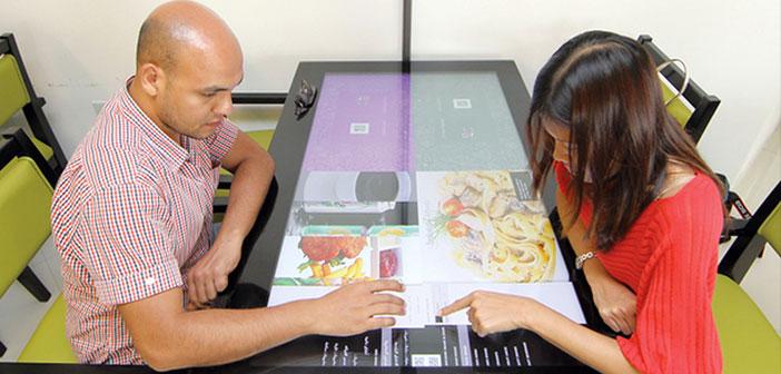 Restaurante-con-mesa-interactiva