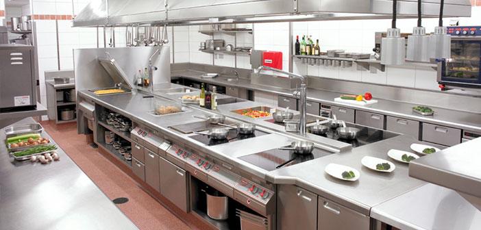 El diseño de la cocina del restaurante, que ante todo debe ser práctica, funcional e higiénica.