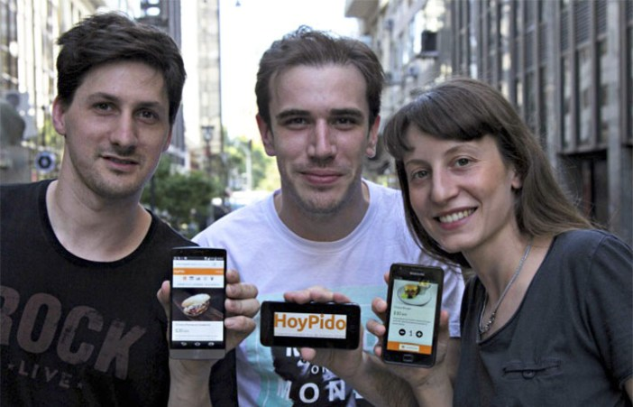 HoyPido founder team is composed of Juliet, Fernando and Nicolas. Having each developed a previous career in the fields of Art, Technology and Gastronomy, We bring skills that are complementary to create a refreshing experience to an everyday problem.