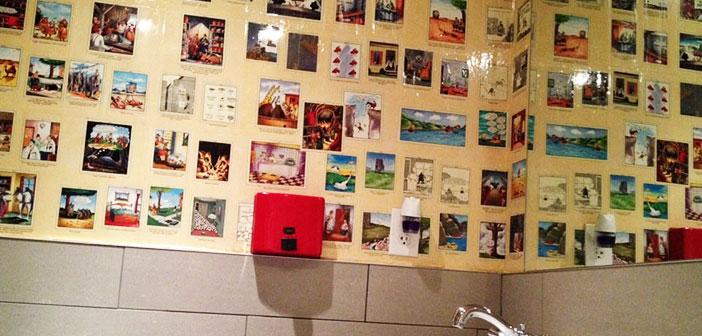 Boston, Massachusetts: los propietarios de este restaurante, Jim y Mike Cochener, han cubierto las paredes de los baños con los cómics de The Far Side.
