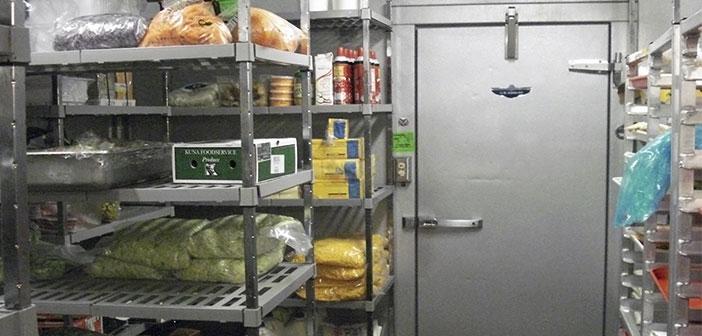 Dependiendo de las necesidades específicas de cada cocina profesional, podemos encontrar cámaras exclusivas para productos congelados.