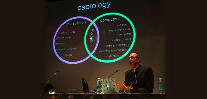 """La captología es una nueva disciplina que """"se focaliza en el diseño, investigación y análisis de productos informáticos (o, más ampliamente, digitales) e interactivos creados con el propósito de cambiar las actitudes y comportamientos de la gente"""""""