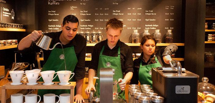 Starbucks fue clasificado como la 73º de las 100 mejores empresas para trabajar en 2012 por CNN Money porque todos los empleados a tiempo parcial obtienen beneficios completos para la salud.