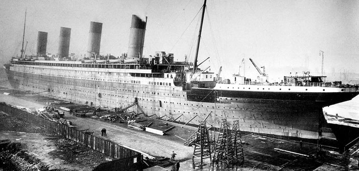 On the fifth day cruise happily enjoying the passage, socializing, having fun. He 14 April 1912, the Titanic received throughout the day up to seven radio warnings about the presence of icebergs in the area, but the radio was not operational.