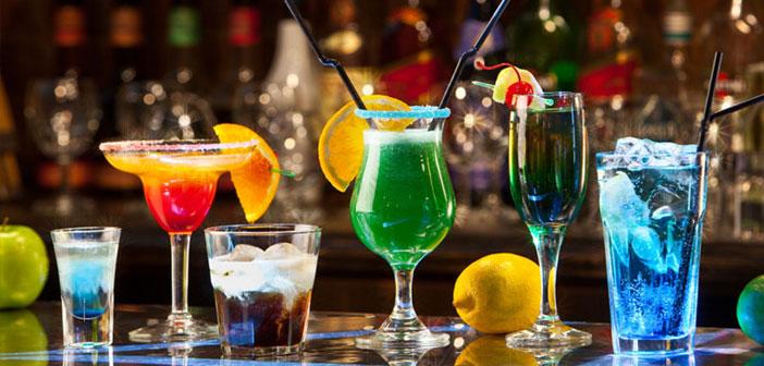 Si vous choisissez cette, Il commence par un menu de base de cocktails classiques (Margarita, Dry Martini, Mojito, Manhattan, Cosmopolite, Démodé…). Plus tard, Vous élagages inclure des cocktails.