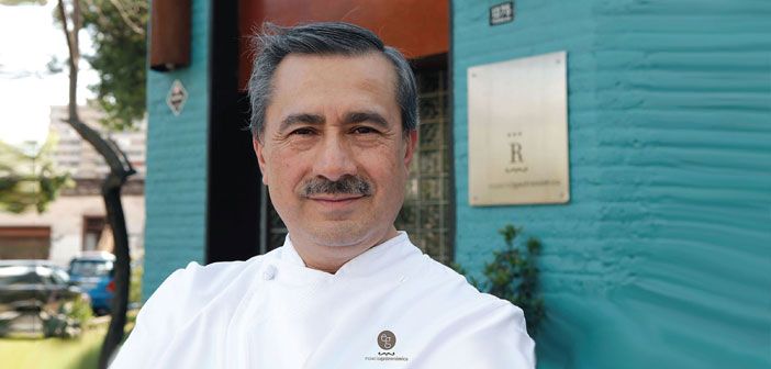 "In the words of Chef Guillermo Rodríguez, for many of us the best national benchmark, the history of Chilean cuisine is to be written: ""We History of Chilean cuisine itself as such can not speak. I think we're weaving our history, We are putting together the story of Chilean cuisine, a kitchen whose history, He never has written ""."