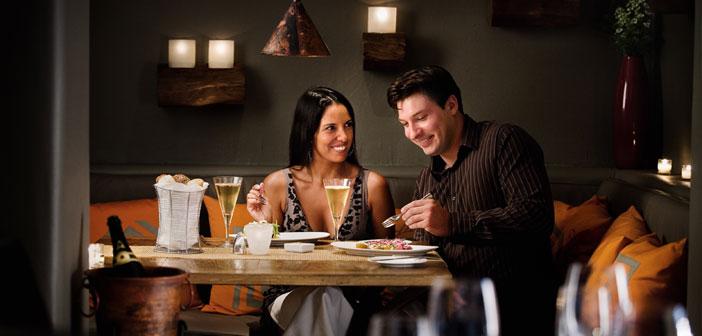Dans un restaurant, codes de conduite sont différentes d'une cafétéria, comme il est souvent le but pour lequel nous nous tournons vers chacun de ces établissements.