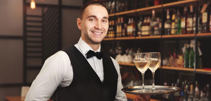 El día 21 de mayo se conmemora en Estados Unidos el día de los/las camareras. Este mes, te aconsejamos que le rindas un pequeño homenaje aunas personas que son parte fundamental del funcionamiento de tu bar o restaurante.
