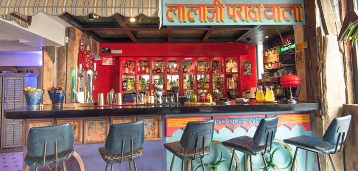 El restauranteSurya es todo un espectáculo gastronómico, visual y sensorial donde encontrarás una oferta versátil y exótica de la auténtica Indian street food con elaboración artesanal y muy acogedor.