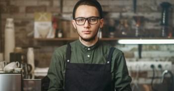 La tecnología y las exigencias disparan la tasa de renovación de personal en los restaurantes de comida rápida