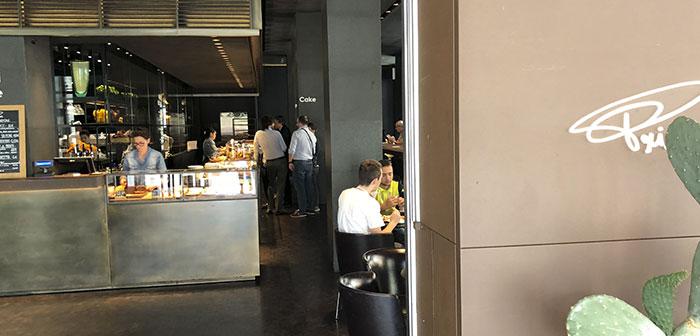 créé il y a 30 années à Milan, Il est juste associé à Starbucks. J'ai rencontré ce concept dans Soho de Londres et aimé. Rapide concept de casual avec des produits de haute qualité et de l'artisanat. ne vous arrêtez pas visiter votre région Flagship Milan Piazza XXV Aprile.