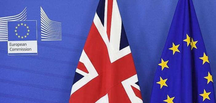 Entre los diversos sectores que componen el entramado económico del Reino Unido, el sector de la hostelería y el de la restauración serán fuertemente azotados. Un porcentaje nada desdeñable de los trabajadores en puestos de responsabilidad menor son extranjeros que perderían sus derechos de residencia ante una salida de la UE que ya parece inminente.