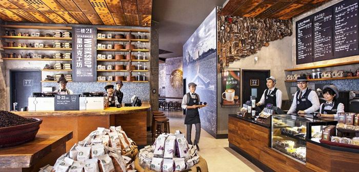 Starbucks contaba con 2936 establecimientos en China durante 2017, pero este número cambiará radicalmente a lo largo de los próximos años. Prevén alcanzar los 6000 locales antes de que termine 2022.