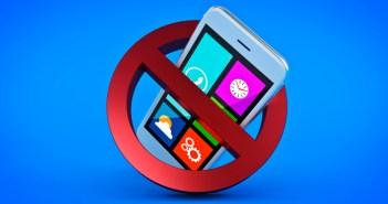 Cada vez más restaurantes se unen a la tendencia de prohibir el uso de teléfonos móviles en sus mesas