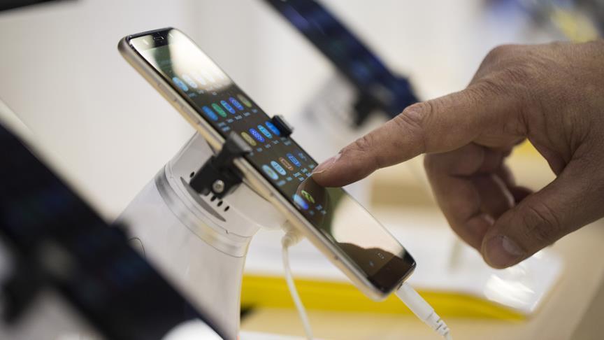 Bilgisayar ve cep telefonlarına yıllık vergi geliyor