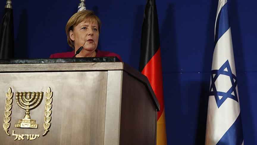 """Merkel'den """"huzurlu ramazan"""" dileği"""