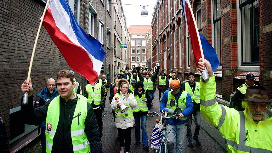 Hollanda'da koalisyona 'dördüncü' aranıyor