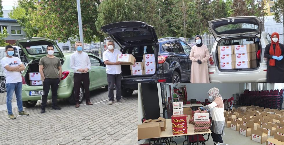 YTB desteğiyle DİTİB Camii mültecileri bayram öncesi sevindirdi
