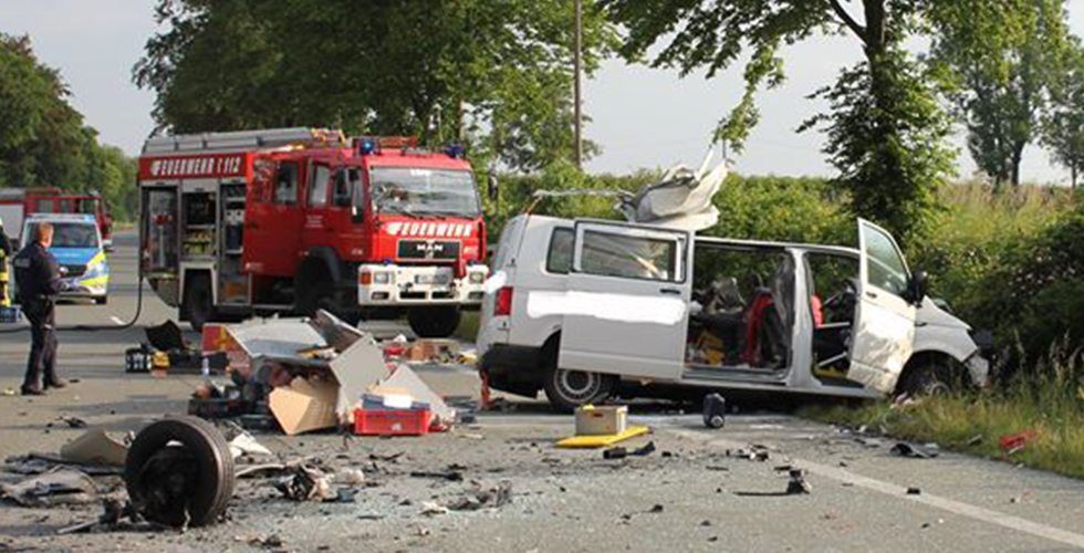 Minübüs sürücüsü hayatını kaybetti
