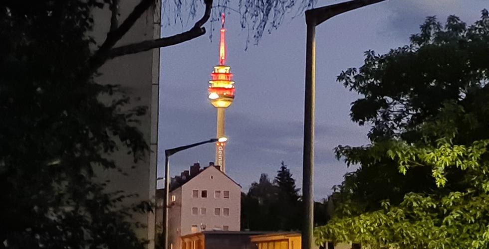 Nürnberg Televizyon kulesi neden ışıldadı biliyor musunuz