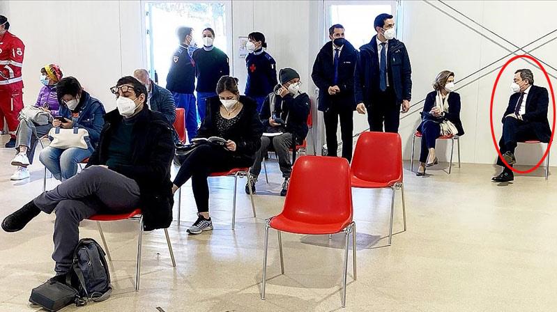 İtalya Başbakanı AstraZeneca aşısı yaptırdı