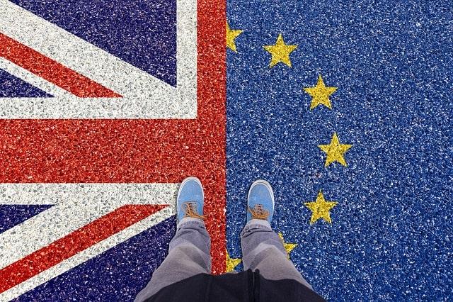 İngiltere'ye AB'den Brexit suçlaması