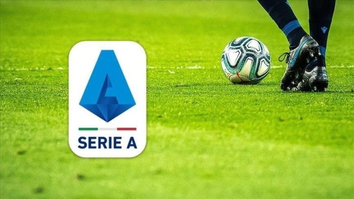 Serie A'da Napoli'den Milan'a darbe