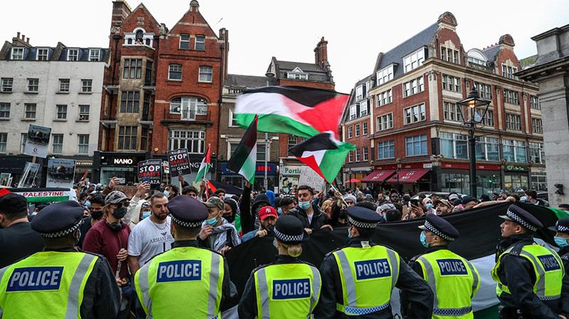İsrail'in Mescid-i Aksa saldırıları İngiltere'de protesto edildi