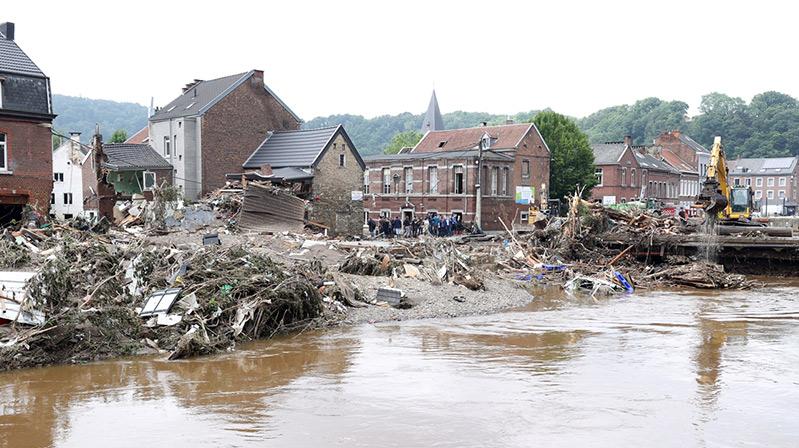 Belçika'da selin neden olduğu tahribat onarılıyor