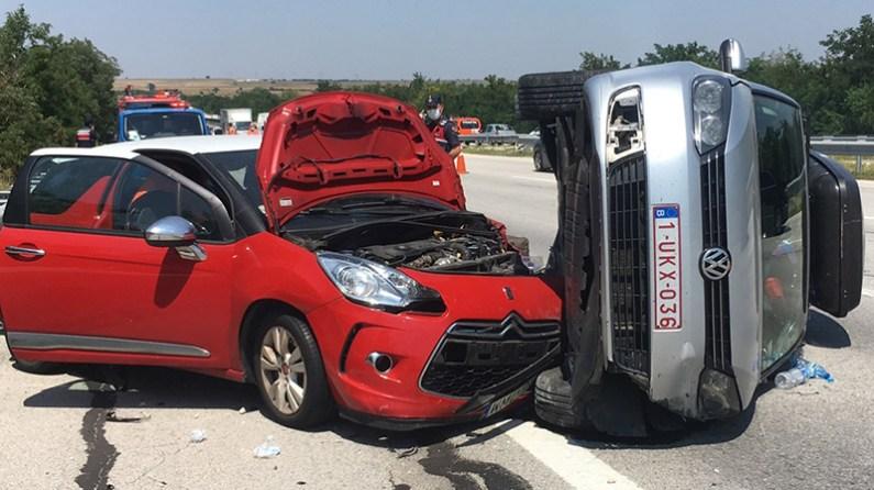 Kırklareli'nde gurbetçilerin bulunduğu 2 otomobil çarpıştı: 1 yaralı