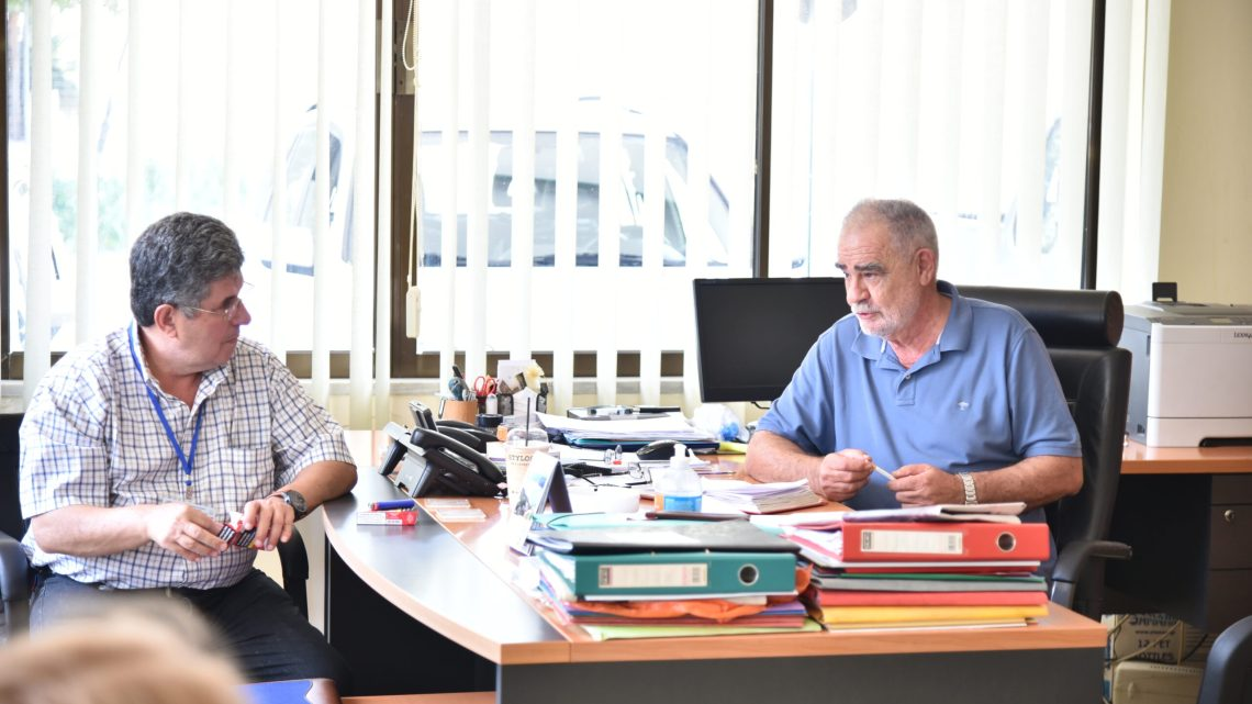 O Πρόεδρος του Διοικητικού Συμβουλίου της ΕΤΑΝΑΠ κος. Μανώλης Αποστολάκης , υποδέχτηκε την αντιπροσωπεία του Διοικητικού Συμβουλίου της Διεθνούς Ένωσης Κρητών Δημοσιογράφων και Μέσων Μαζικής Ενημέρωσης και τα Ιδρυτικά μέλη της
